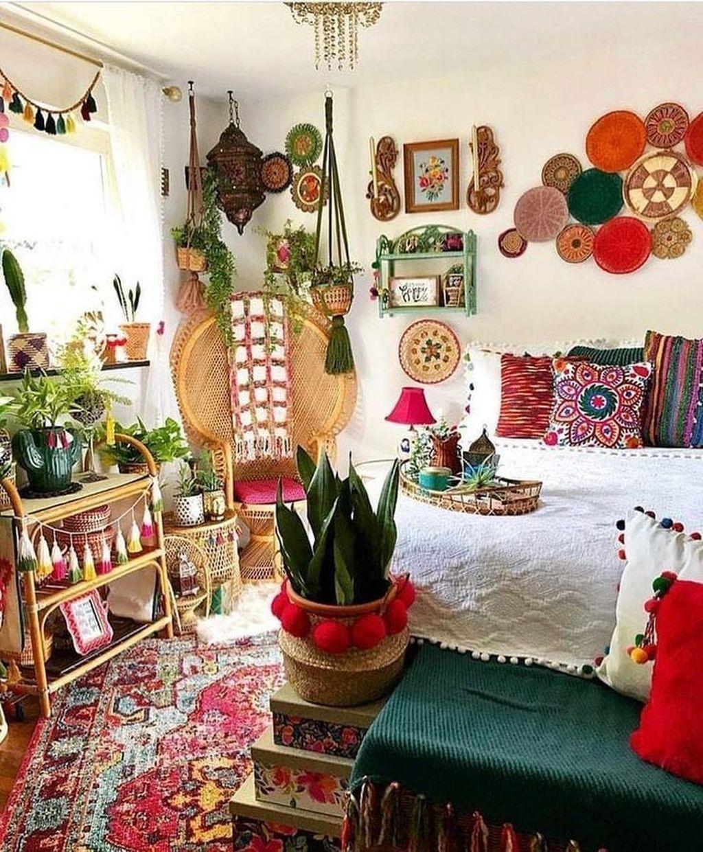 Lovely-Boho-Bedroom-Decor-Ideas-01.jpg